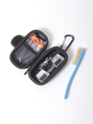 メガネ拭き・交換用クリップラバー・イヤーフックが付属