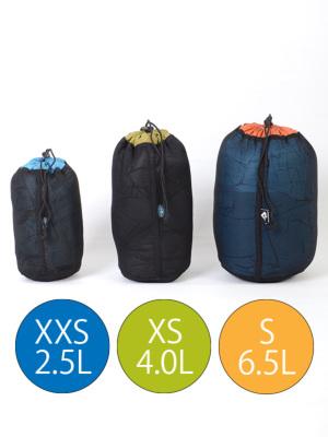 サイズXXSは薄手ダウンJKなどの収納にぴったり。