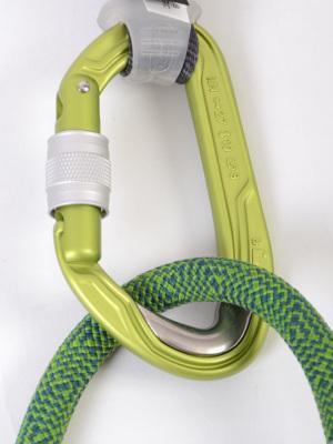 ロープやハンガーが接触する部分にステンレスを埋め込み摩耗を抑える